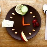 Koska pitäisi syödä? – Säännöllinen ateriarytmi ehkäisee napostelua ja ahmimista