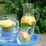 Helle vaatii nestettä – Näin saat veden maistumaan