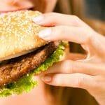 Lihominen saattaa johtua hormoneista – tutkimus valottaa ylensyömisen syitä