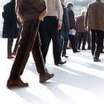 Tutkimus: Seisominen alentaa vähän liikkuvien kuolleisuutta