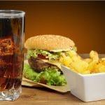 Rasva, suola tai sokeri eivät addiktoi – ahmimiselle löytyy muita syitä
