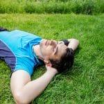 Aktiivisesta sohvaperunaksi – terveysriskiä lisääviä muutoksia jo 2 viikon passiivisuudesta