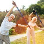 Sauvajumppa – tee sauvakävelyn ohessa tehokas jumppa